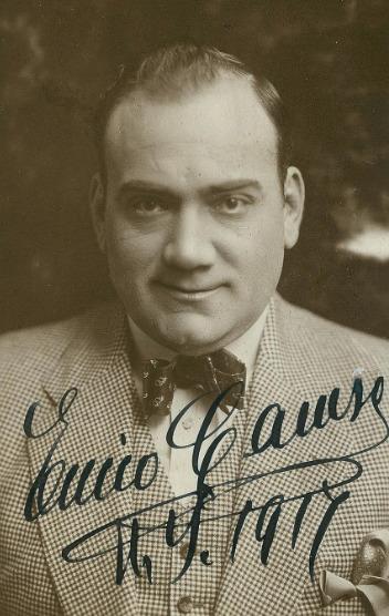 Поёт Энрико Карузо. Арии из опер и песни.